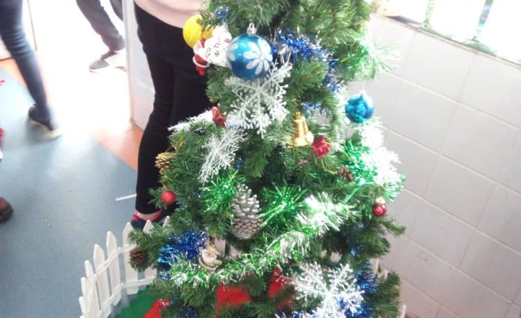 Christmas Decorations at Guilin International School! - Guilin Sunny School